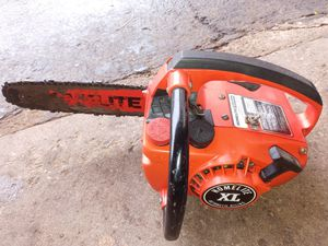 """Chainsaw HOMELITE. XL AUTOMATIC OILING. 8"""" GOOD CONDITION WOKS GREAT. is strong. $80. Obo. Make offer for Sale in Elgin, IL"""
