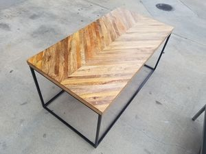 Gorgeous Quality Wood Top Coffee Table for Sale in Los Angeles, CA