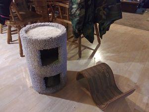 Free Cat Tree & Scratcher for Sale in Everett, WA