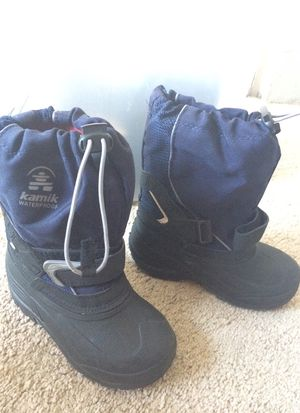 Snow/winter/waterproof boots kids 11 for Sale in Los Angeles, CA