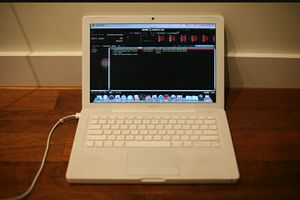 2007/2008 Mac book with protools for Sale in St. Louis, MO
