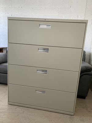 HON 4 drawer metal file cabinet in perfect condition (delivery available) for Sale in Boca Raton, FL