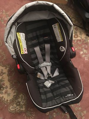 Graco Infant Car Seat with base for Sale in Wichita, KS