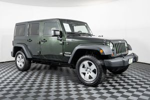 2012 Jeep Wrangler Unlimited for Sale in Marysville, WA