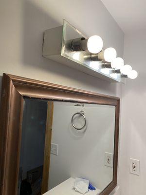 Bathroom light for Sale in Nashville, TN