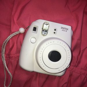 Fuji instax mini 8-White for Sale in Bridgeport, CT