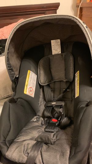 Evenflo car seat and base for Sale in Scranton, PA