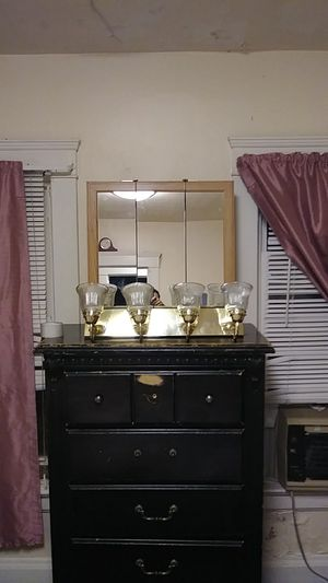 Three-dimensional mirror with light fixtures for Sale in Cleveland, OH
