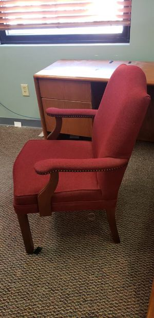 Winged Office Chair for Sale in Fenton, MO