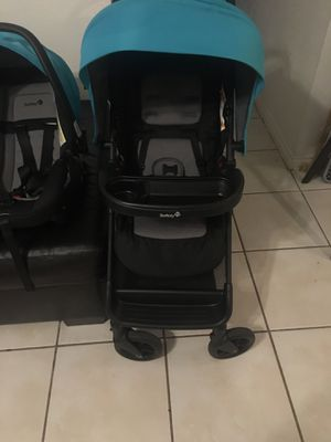 Safety 1st stroller car seat and car adapter for Sale in Austin, TX