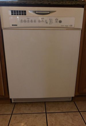 Selling like new dish washer (Kenmore) brand for Sale in Elmont, NY