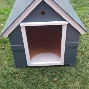 Dog House for Sale in Hayward, CA