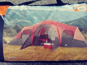 10 person camping tent for Sale in Palmdale, CA