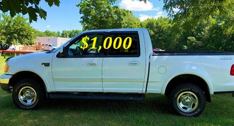 🟢💲1,OOO I'm selling URGENTLY this Beautiful💚2OO2 Ford F15O nice Family truck XLT Everything is working great! Runs great and fun to drive💪🟢 for Sale in Newark,  NJ
