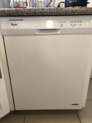 Whirlpool dishwasher for Sale in Los Angeles, CA