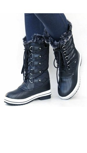 Snow boots for women's / SNOWBOOTS para mujeres sizes available for Sale in Bell, CA