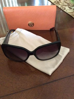 Tory Burch sunglasses. for Sale in Clermont, FL