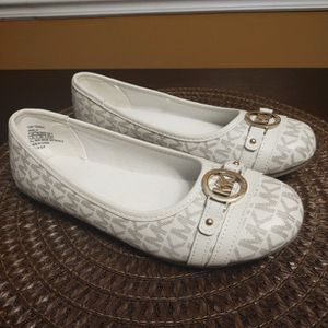 Michael Kors Tori Topeka Girls Flats Size 4 for Sale in Hillsborough, NC