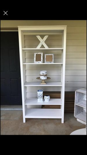 Cabinet with 5 shelves for Sale in Byron, GA