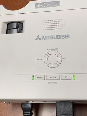 Mitsubishi DLP xd205r projector for Sale in Dallas, TX