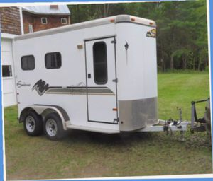 Without any problems, Excellent 2 Horse trailer running. for Sale in Evansville, IN