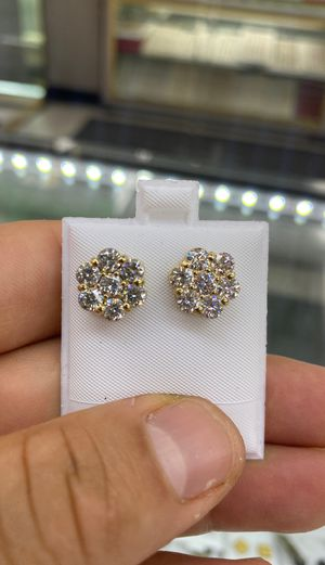 Flower Diamond Earrings 3.50Ct F Color VVS Clarity for Sale in Los Angeles, CA