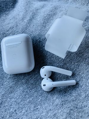 NEW APPLE AIRPODS W/CHARGER GEN 2 for Sale in Rancho Cucamonga, CA