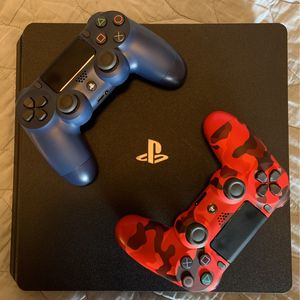 1TB PS4 with 2 Controllers for Sale in Scottsdale, AZ