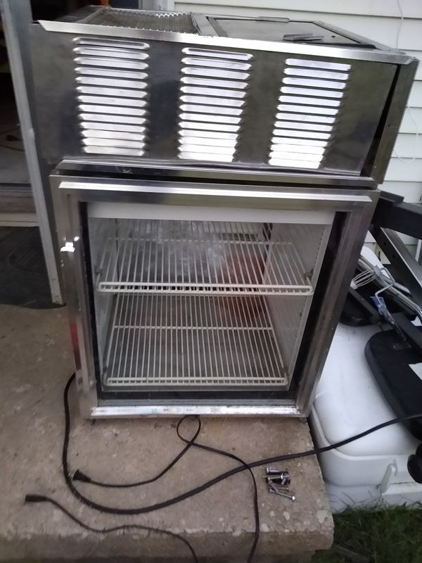 True commerical refrigerator 2 sided doors on both side