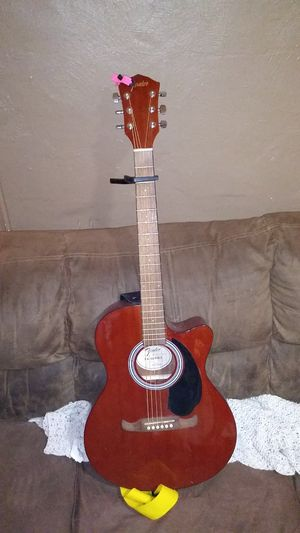 Fender FA Series mahogany Guitar for Sale in BRECKNRDG HLS, MO