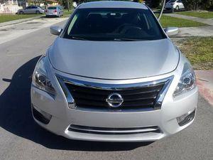 Nissan ultima for Sale in Hialeah, FL