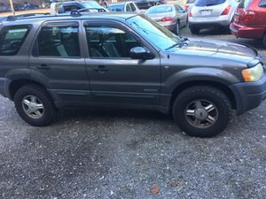 02 Ford Escape XLT 4wd for Sale in Pittsburgh, PA