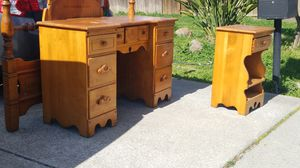 Maple bedroom set double free for Sale in Martinez, CA