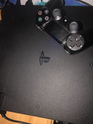 PS4 pro 1 TB for Sale in Dearborn Heights, MI