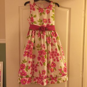 BEAUTIFUL LOT CLOTHING FOR GIRLS. (size 14) for Sale in Kissimmee, FL