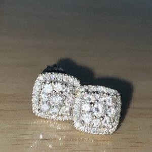Diamond Earrings for Sale in Los Angeles, CA