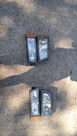SILVERADO HEADLIGHT HOUSINGS for Sale in Linthicum Heights, MD