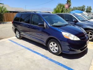 2006 Toyota Sienna for Sale in Bloomington, CA