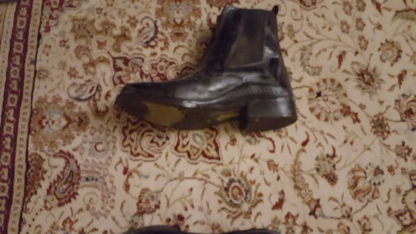 Ridding boots. For horseback riding size 9