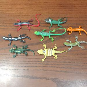 Lot of 8 Realistic Plastic Lizards for Sale in Perris, CA