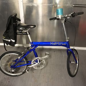 XOOTR SWIFT FOLDING BIKE Bicycle with Caring Case for Sale in Deerfield Beach, FL