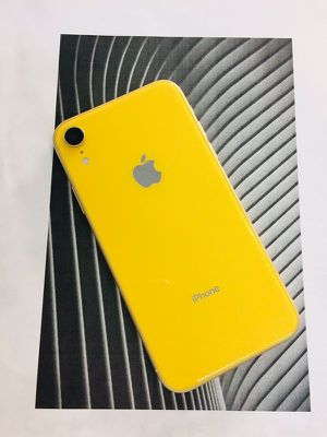 Apple iPhone XR Yellow AT&T Cricket H2O for Sale in Renton, WA