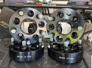 """JEEP 5X4.5 TO 5X5 HUB CENTRIC ADAPTER, 1.5"""" THICK. CONVERTS TO NEWER JEEP BOLT PATTERN for Sale in Riverside, CA"""