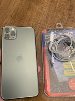 Selling iPHONE 11 PRO Max AT&T or Criket 256GB Memory in Very Good Condition for Sale in Chicago,  IL