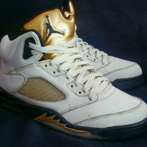 Retro 5 Olympic Gold Medal for Sale in Las Vegas, NV