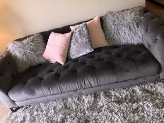 Vintage Grey Couch for Sale in Dravosburg,  PA