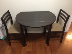 Drop-leaf breakfast table with two chairs for Sale in Eureka, MO