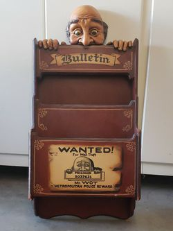 Wooden Mail / Magazine Holder For Wall for Sale in Santa Clarita,  CA