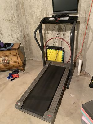 Treadmill Weslo Cadence for Sale in Lake Zurich, IL
