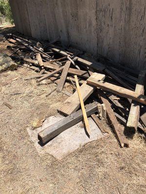 Old barn wood/ fire wood/ recailmed for Sale in Alpine, CA